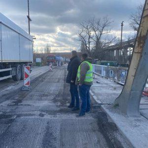 Започна цялостен ремонт на стария железен мост към острова