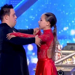 """Последният танц на едно слънчево момче: Сбогуваме се с Атанас, който получи 4 """"Да"""" в """"България търси талант"""" (ВИДЕО)"""