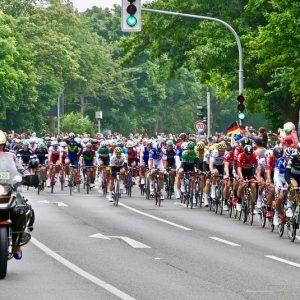 """След фината на """"Тур дьо Франс"""": Арести и намерени забранени вещества"""