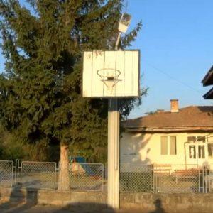 10-годишно дете е в болница след токов удар, играело баскетбол