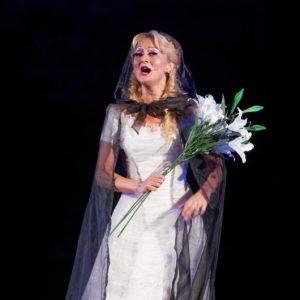 В навечерието на 24 май Варненската опера ще повдигне духа на морския град с български песни от Балкона