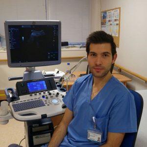 Възрастен мъж с COVID-19 и деменция избяга от болницата по пижама: Млад лекар го спаси