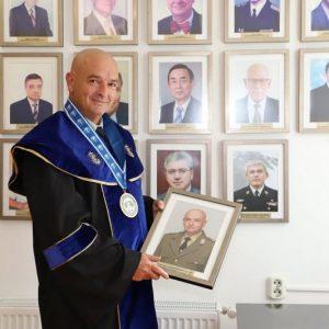 Ген. Мутафчийски окачи ликa си във Варна