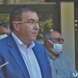 Здравният министър е тестван за коронавирус