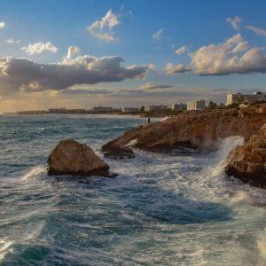 Кипър ще плаща цялата на почивка на заразил се с коронавирус там