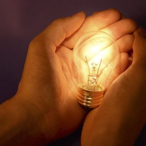 Кои райони във Варненско остават без ток днес