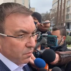 Министър Ангелов: Обсъждаме разхлабването и на други мерки