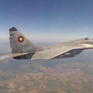 Мобилизираха български изтребители заради руски самолети над Черно море