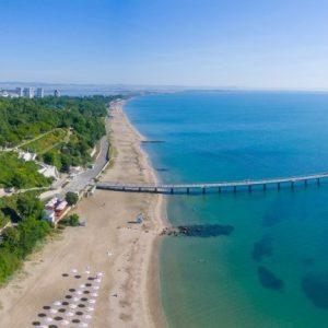На прага на летния сезон: Мащабно имунологично тестване в Бургас