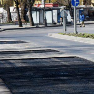 Ремонтират централни улици на Варна (СНИМКИ)