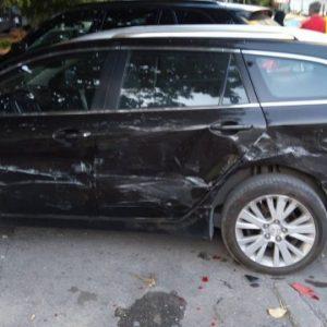 Удариха няколко коли на ул.