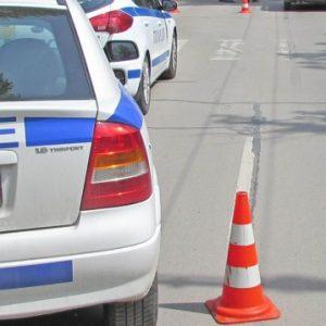 Шофьор блъсна майка с дете във Варна и избяга
